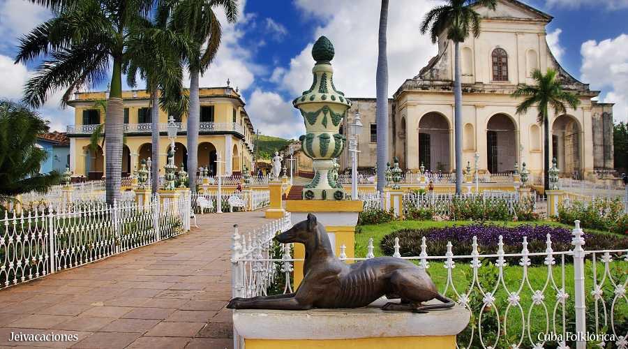 CUBA FOLKLÓRICA